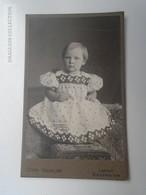 D164557 CDV  Cabinet Photo - Fotografie - Otto Geiseler - LEMGO   - Ca 1895-900 -  Little Girl -Costume  Fashion Mode - Fotos