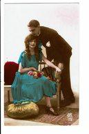 CPA - Carte Postale -Pays Bas -Couple:l'homme Embrassant La Dame Sur Ses Cheveux -VM3900 - Koppels