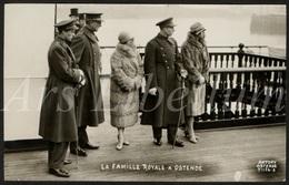 Postcard / ROYALTY / Belgique / België / Reine Elisabeth / Koningin Elisabeth / Koning Albert I / Oostende - Oostende