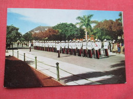 Police On Parade  Nassau  Bahamas Ref 3438 - Bahamas