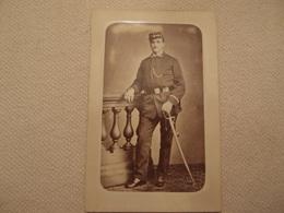 Photo CDV Militaria Empire 1870 Tenue à Identifier Photographe Appert à Paris - Oorlog, Militair