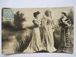 TROIS  BELLES  FEMMES  EN GRANDE TENUE    -  PHOTO REUTLINGER  ...          TTB - Femmes