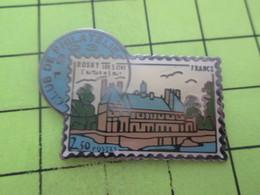 812e Pin's Pins / Beau Et Rare : THEME POSTES / TIMBRE POSTE CLUB DE PHILATELIE DE ROSNY SUR SEINE - Mail Services