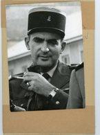 Photo Originale , Le Capitaine  FERRANDI   Proche Collaborateur De SALAN Remis à La Justice - Guerre, Militaire