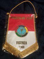 Vicenza Panathlon Club Gagliardetto Anni '80 - Abbigliamento, Souvenirs & Varie