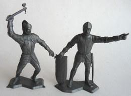 FIGURINE LOUIS MARX -  SOLDAT MEDIEVAL CHEVALIER FIGURINES 2 SOLDATS MEDIEVAUX PETITE TAILLE - Figurines