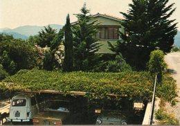 < Automobile Auto Voiture Car >> Renault 4, Peugeot 304S, Fiat 600, Procchio - Passenger Cars