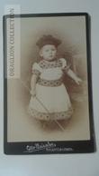 D164588 CDV  Cabinet Photo  - Otto Geiseler- Bielefeld-Lemgo   - Ca 1890-1900 - Child - Costume Fashion  Hat - Fotos