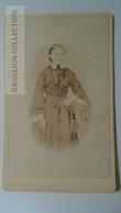 D164602  CDV Cabinet Photo -  Th. Kliem, Detmold     - Ca 1870-80 - Young Lady  Costume Fashion Coiffure - Fotos