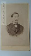 D164603  CDV Cabinet Photo -  Th. Kliem, Detmold     - Ca 1870-80 - Man's Portrait   Costume Fashion - Fotos