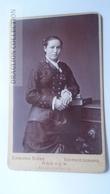 D164607 CDV Cabinet Photo -Edmund Risse, Bochum    - Ca 1890-1900 - Young Lady, Costume Fashion - Fotos