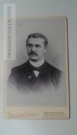 D164610 CDV Cabinet Photo -Bein & Von Leistner, Göttingen    - Ca 1890-1900 -  Young Man -Fashion Costume - Fotos