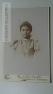 D164612 CDV Cabinet Photo -   Carl Lambrecht - Hannover   - Ca 1890-1900 -  Young Woman -Fashion Costume - Fotos