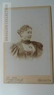 D164625 CDV Cabinet Photo  Paul Voigt,  HAMELN     - Ca 1900 - Woman's Photo  -Fashion Costume - Fotos