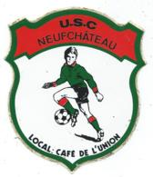 RARE AUTOCOLLANT U.S.C, USC NEUFCHATEAU, FOOT, FOOTBALL, FOOTBALLEUR, LOCAL : CAFE DE L'UNION, BELGIQUE - Stickers