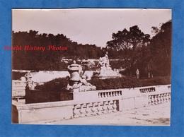 Photo Ancienne Snapshot - NIMES ( Gard ) - La Fontaine - Ver 1900 - Architecture Patrimoine Histoire - Places