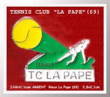 """SUPER PIN'S TENNIS : Club De """"LA PAPE"""" De Rieux La Pape Près De LYON En Zamac Base Argent, Format 2,8X2,1cm - Tennis"""