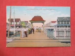 Holland Avenue Pier  Rockaway Beach   New York City  Long Island Ref 3439 - Long Island