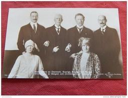 Le Roi Albert I La Reine Elisabeth Et Les Rois De Danemark, Suède Et Norvège - Koninklijke Families