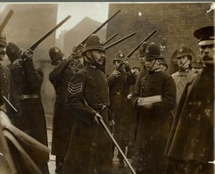 Houndsditch Murders LONDON POLICE Siege Of Sidney Street Battle Of Stepney 21*17 CM Fonds Victor FORBIN 1864-1947 - Lugares