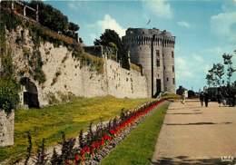 22 - Dinan - La Promenade Du Chateau - Le Donjon - Carte Neuve - Voir Scans Recto-Verso - Dinan
