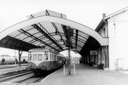 Mont-de-Marsan. Autorail X 2474. Cliché Jacques Bazin. 07-06-1982 - Trains