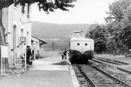 Saint-Géry. Autorail X 5800. Ligne Cahors - Capdenac. Cliché Jacques Bazin. 11-06-1971 - Trains