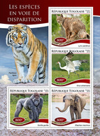 Togo.  2019 Endangered Species. (0205a)  OFFICIAL ISSUE - Gorillas