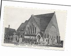 Koekelare  ( M 4927 )  Kerkhof En Kerk Van Pastoor Van Ars - Koekelare