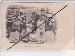 Madagascar ; Famille Hova (carte Précurseur - Non écrite) - Madagascar