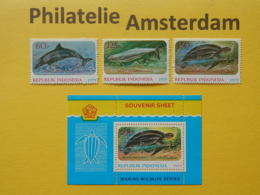 Indonesia 1979, FAUNA PROTECTED ANIMALS / DELPHINS SEA TURTLE: Mi 944-46, + Bl. 31, ** - Dolphins