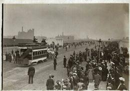 THE FIRST TRAM ACROSS    16*12 CM Fonds Victor FORBIN 1864-1947 - Trenes