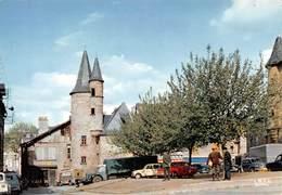 BRIVE-la-GAILLARDE - Rue Des Précheurs Et Vieilles Tours - Camion - Renault 4l - Brive La Gaillarde