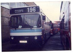 35mm ORIGINAL BUS PHOTO LEYLAND WOKINGHAM BERKSHIRE OMNIBUS STATION - F999 - Photographs
