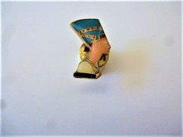 PINS  BUSTE DE  NEFERTITI EGYPTE EGYPT Doré /  33NAT - Cities