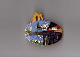 Pin's McDonald's / Mac Donald's Pin Club Allemagne - 5 Ans (EGF Doré Double Attache) Longueur: 5,3 Cm - McDonald's