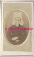 CDV Vers 1870-costume Régional-femme Avec Coiffe Vendéenne - Photos