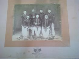 RARE PHOTO EXPOSITION UNIVERSELLE 1878 PARIS MILITAIRES CHASSEURS DU 26 EME REGIMENT PHOTOGRAPHE POUJET - Guerre, Militaire