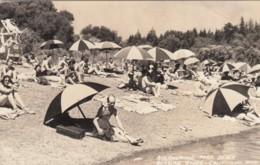 Guernewood Park Beach California, Sun Bathers Umbrellas Beach Scene C1930s Vintage Lark Real Photo Postcard - Altri