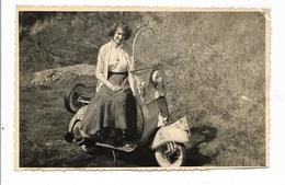 St 004583 Photo Originale Jeune Fille De Beauvais Sur Scooter , Vespa - Foto