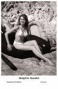 BRIGITTE BARDOT - Film Star Pin Up PHOTO POSTCARD- Publisher Swiftsure 2000 (72/1101) - Postales