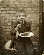 PROBABLY LONDON KIDS GREAT DEPRESSION ENFANTS KIDS NIÑOS KINDEREN 21*16CM Fonds Victor FORBIN 1864-1947 - Fotos