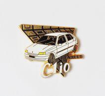 Pin's Arthus Bertrand  Renault Clio Voiture De L'année 1991 - EB - Renault