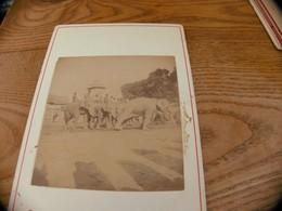 47  - Photo ,INDOCHINE, Travail D'un éléphant , Surveiller Par Les Cornacs - Oud (voor 1900)