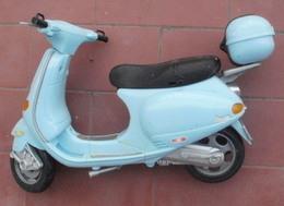 Ancienne Moto, Scotter, Vespa De BARBIE - Autres