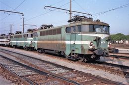 Miramas (13 - France)  Janvier 1992 - La BB 9421 Au Dépôt De Miramas - Trains