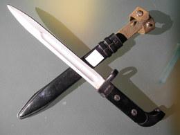 Baionnette Dague Militaire AK47 De L'est - Armes Blanches