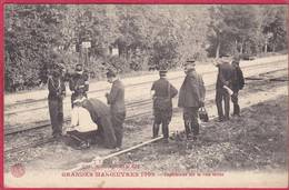 CPA 03 En BOURBONNAIS Grandes Manoeuvres 1909  Expériences Sur La Voie Ferrée ( Cheminots Train - Non Classés