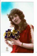 CPA - Carte Postale Pays Bas - Jeune Dame Avec Un Bouquet De Pensées-VM4010 - Vrouwen