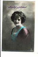 CPA - Carte Postale Pays Bas - Hartelijk Gefeliciteerd Avec Une Jeune Dame-1920-VM4014 - Wensen En Feesten